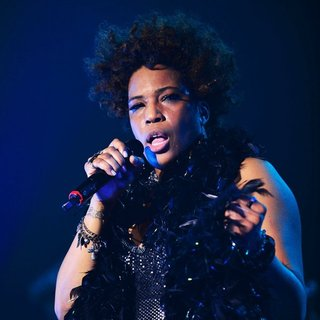 Macy Gray Performs During Her 14th Anniversary - On How Life Is