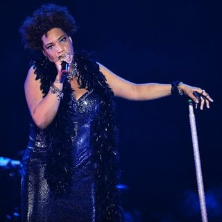 Macy Gray Performs During Her 14th Anniversary - On How Life Is - macy-gray-performs-during-her-14th-anniversary-16
