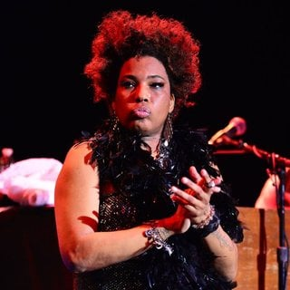 Macy Gray Performs During Her 14th Anniversary - On How Life Is - macy-gray-performs-during-her-14th-anniversary-17