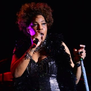 Macy Gray Performs During Her 14th Anniversary - On How Life Is - macy-gray-performs-during-her-14th-anniversary-18