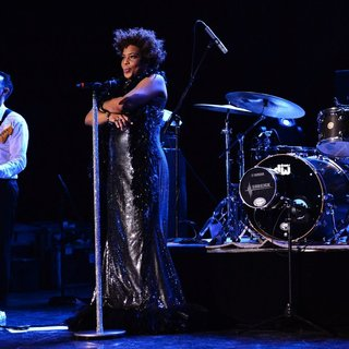 Macy Gray in Macy Gray Performs During Her 14th Anniversary - On How Life Is