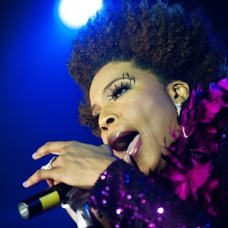 Macy Gray Performs Live - macy-gray-performs-live-07
