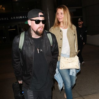 Benji Madden, Cameron Diaz in Benji Madden and Cameron Diaz at Los Angeles International Airport