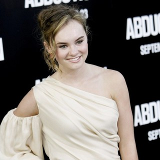 Madeline Carroll in The Premiere of Abduction - Arrivals