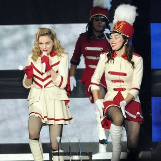 Madonna Performing of Her MDNA World Tour - madonna-mdna-world-tour-26