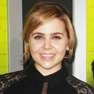 Mae Whitman in The Los Angeles Premiere of The Perks of Being a Wallflower - Arrivals