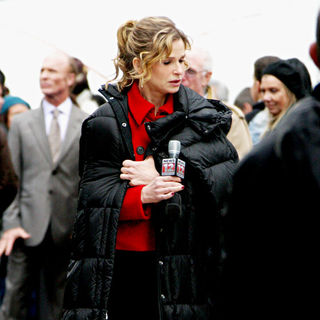 Kyra Sedgwick in Shooting on Location for 'Man on a Ledge'