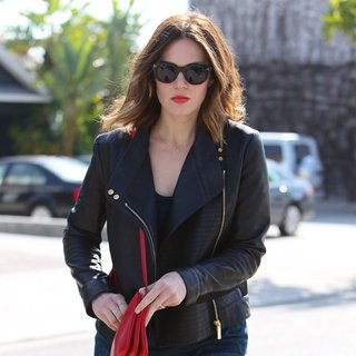 Mandy Moore in Mandy Moore Leaving Andy LeCompte Salon