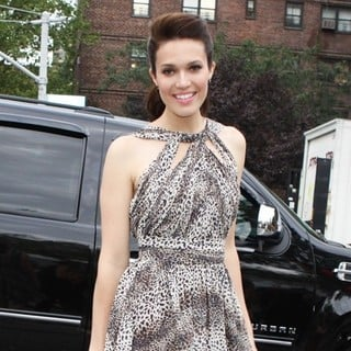 Mandy Moore in Mercedes-Benz New York Fashion Week Spring-Summer 2012 - Charlotte Ronson - Arrivals