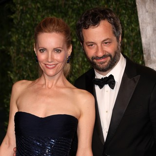 Leslie Mann, Judd Apatow in 2012 Vanity Fair Oscar Party - Arrivals