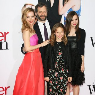 Leslie Mann, Judd Apatow, Iris Apatow, Maude Apatow in The Other Woman Los Angeles Premiere