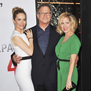 Leslie Mann, Albert Brooks in This Is 40 - Los Angeles Premiere - Arrivals