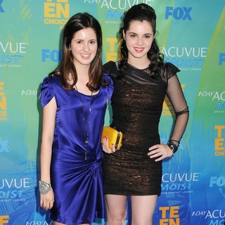 Laura Marano, Vanessa Marano in 2011 Teen Choice Awards