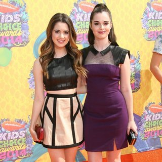 Laura Marano, Vanessa Marano in Nickelodeon's 27th Annual Kids' Choice Awards - Arrivals