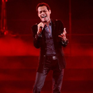 Marc Anthony in Q Viva Show