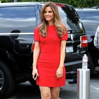 Maria Menounos in Maria Menounos on The Set of Extra
