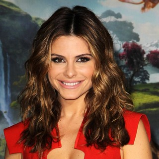 Maria Menounos in Oz: The Great and Powerful - Los Angeles Premiere - Arrivals - maria-menounos-premiere-oz-the-great-and-powerful-02