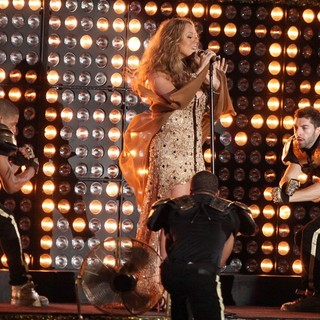 Mariah Carey in Mariah Carey Performs During The 2012 NFL Kick-Off Concert