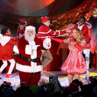 Mariah Carey in Mariah Carey Taping Her Performance for The Tree Lighting Ceremony