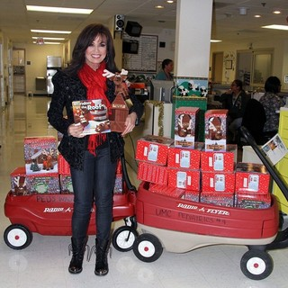Marie Osmond in Marie Osmond Visits UMC Children's Hospital of Nevada by Donating Reindeer on The Roof Toys