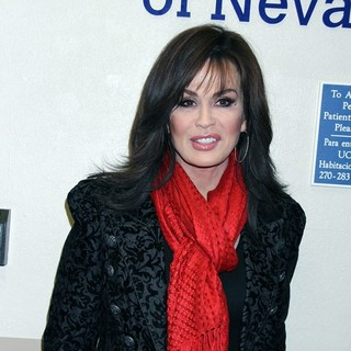 Marie Osmond - Marie Osmond Visits UMC Children's Hospital of Nevada by Donating Reindeer on The Roof Toys