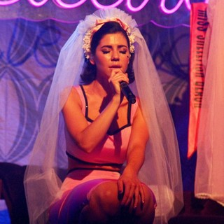 Marina and the Diamonds in Marina and the Diamonds Performs Live