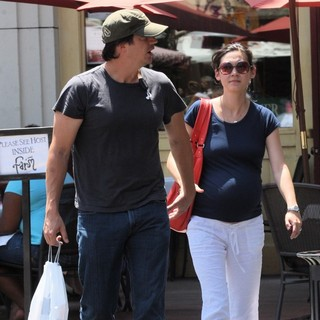 Ken Marino and Erica Oyama Out Shopping Together