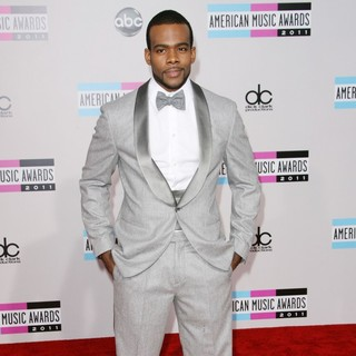 Mario in 2011 American Music Awards - Arrivals - mario-2011-american-music-awards-02