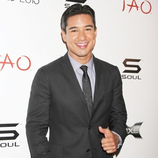Mario Lopez in Mario Lopez Celebrates His Bachelor Party