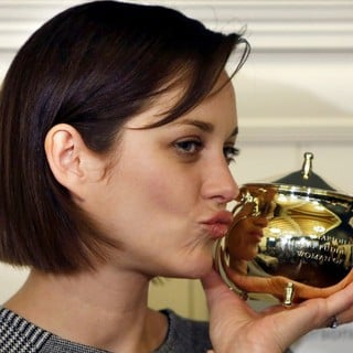Marion Cotillard in Harvard University's Hasty Pudding Theatricals 2013 Woman of The Year Awards Ceremony - marion-cotillard-hasty-pudding-theatricals-2013-woman-of-the-year-awards-ceremony-02