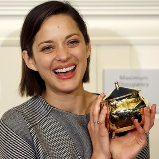Marion Cotillard in Harvard University's Hasty Pudding Theatricals 2013 Woman of The Year Awards Ceremony - marion-cotillard-hasty-pudding-theatricals-2013-woman-of-the-year-awards-ceremony-03