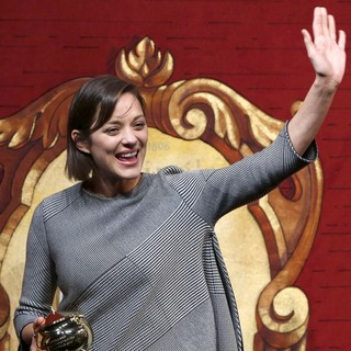 Marion Cotillard in Harvard University's Hasty Pudding Theatricals 2013 Woman of The Year Awards Ceremony