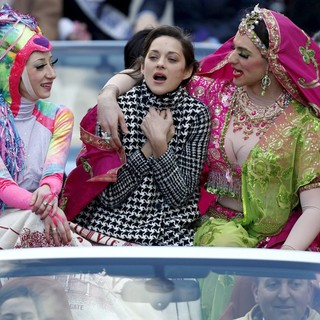 Marion Cotillard in Harvard University's Hasty Pudding Theatricals 2013 Woman of The Year Parade Ceremony