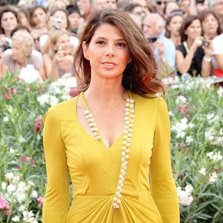 Marisa Tomei in 68th Venice Film Festival - Day 1 - The Ides of March - Red Carpet - marisa-tomei-68th-venice-film-festival-03