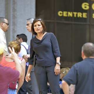 Mariska Hargitay in Filming on Location of TV Show Law and Order: Special Victims Unit Outside The Supreme Court