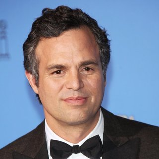 Mark Ruffalo in 71st Annual Golden Globes - Press Room - mark-ruffalo-71st-annual-golden-globe-awards-press-room-01