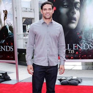 Mark Sanchez in New York Premiere of Harry Potter and the Deathly Hallows Part II - Arrivals