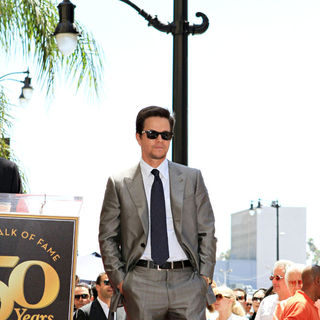 Mark Wahlberg - Mark Wahlberg is Honored on The Hollywood Walk of Fame with The 2414th Star
