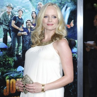 Marley Shelton in The Los Angeles Premiere of Journey 2: The Mysterious Island - Arrivals - marley-shelton-premiere-journey-2-the-mysterious-island-01