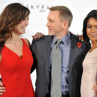 Berenice Marlohe, Daniel Craig, Naomie Harris in The 23rd James Bond Movie Photocall