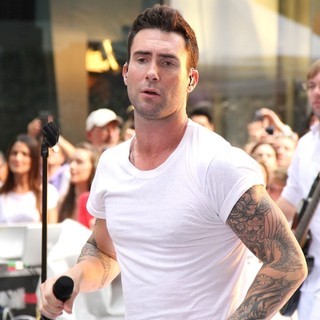 Adam Levine in Maroon 5 Perform Live as Part of The Today' Show's Concert Series - maroon-5-perform-live-today-show-02