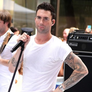 Adam Levine in Maroon 5 Perform Live as Part of The Today' Show's Concert Series - maroon-5-perform-live-today-show-06