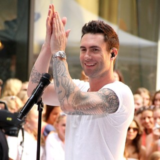 Adam Levine in Maroon 5 Perform Live as Part of The Today' Show's Concert Series - maroon-5-perform-live-today-show-07