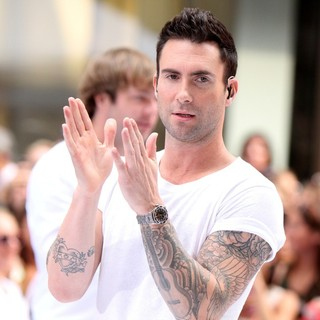 Adam Levine in Maroon 5 Perform Live as Part of The Today' Show's Concert Series - maroon-5-perform-live-today-show-09