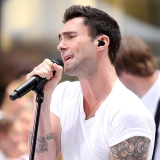 Adam Levine in Maroon 5 Perform Live as Part of The Today' Show's Concert Series - maroon-5-perform-live-today-show-10