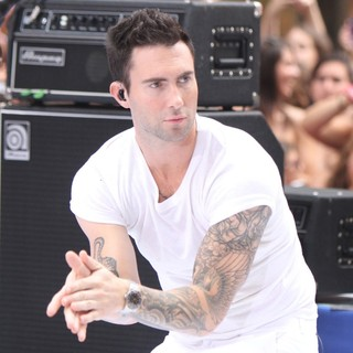 Adam Levine in Maroon 5 Perform Live as Part of The Today' Show's Concert Series - maroon-5-perform-live-today-show-11