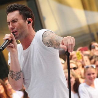 Adam Levine in Maroon 5 Perform Live as Part of The Today' Show's Concert Series - maroon-5-perform-live-today-show-20