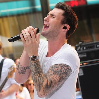 Adam Levine in Maroon 5 Perform Live as Part of The Today' Show's Concert Series - maroon-5-perform-live-today-show-21