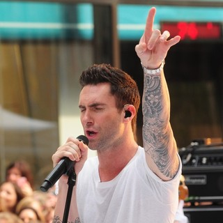 Adam Levine in Maroon 5 Perform Live as Part of The Today' Show's Concert Series - maroon-5-perform-live-today-show-22