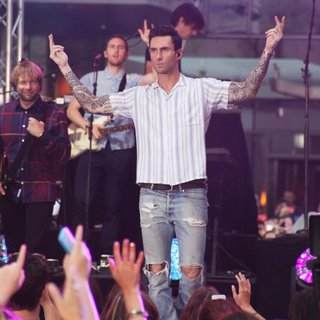 Maroon 5 at The Today Show Toyota Concert Series - maroon-5-today-show-toyota-concert-series-31